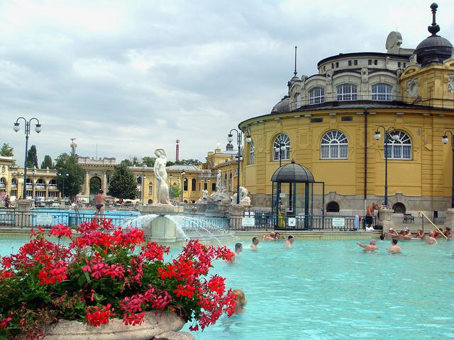 Budapest u003cbu003eSpau003c/bu003e Summer Szechenyi - Free photo on Pixabay
