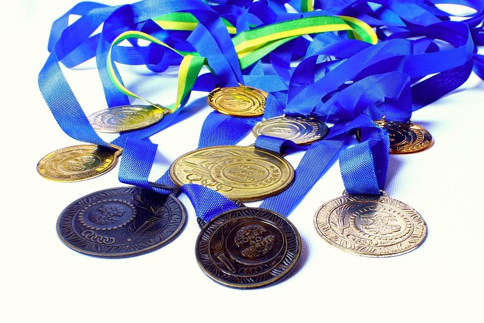 メダル, 賞を受賞, 名誉, メリット, 勝者, チャンピオン, 学校のオリンピック