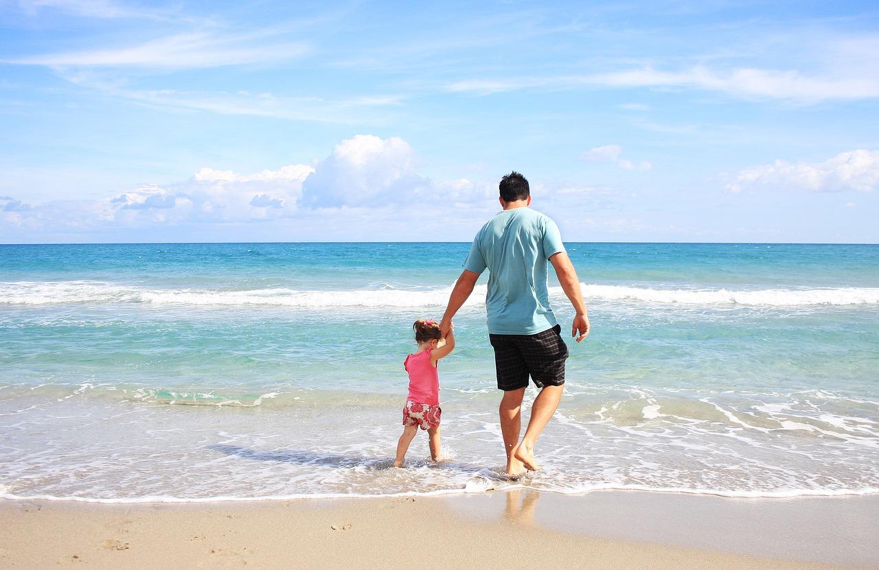 休暇を家族と過ごす