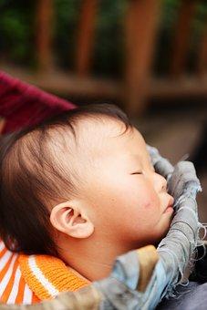 宝宝总是吐奶要怎么办?