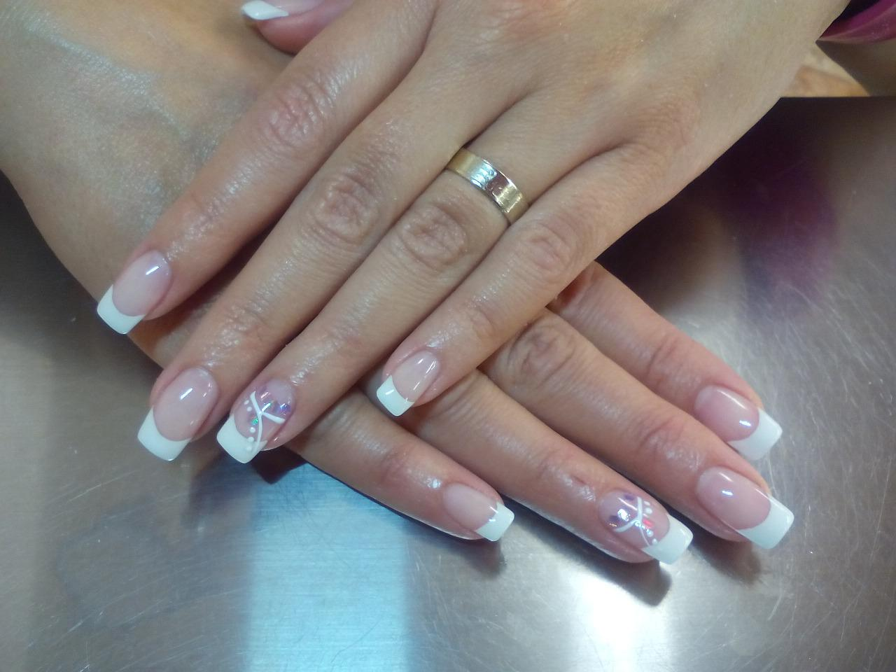 french nails and spa