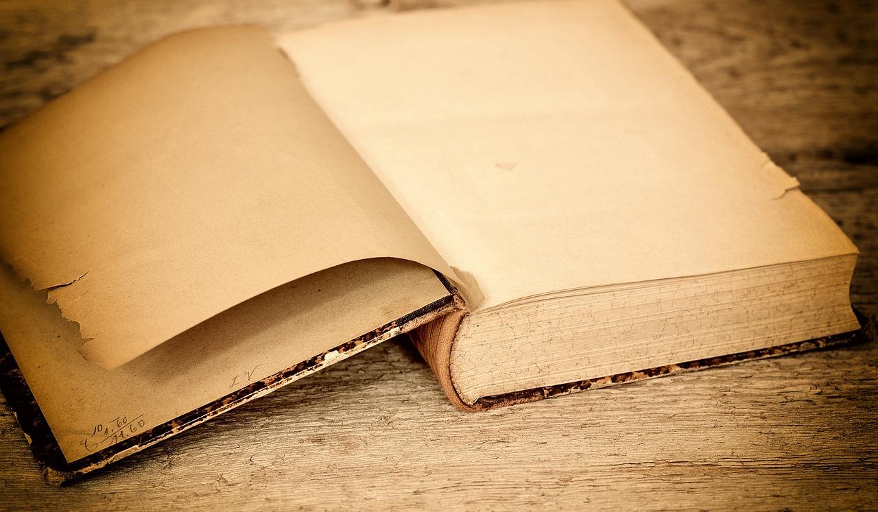 Book 657637 1280