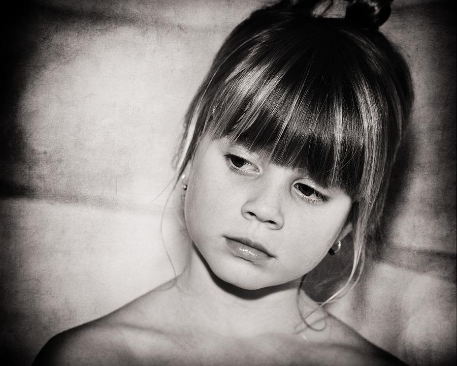 Девушка плачет звук скачать