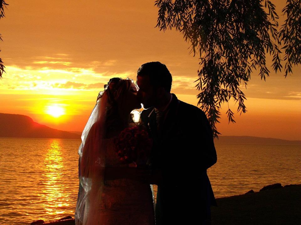 love feelings wedding romantic relationship