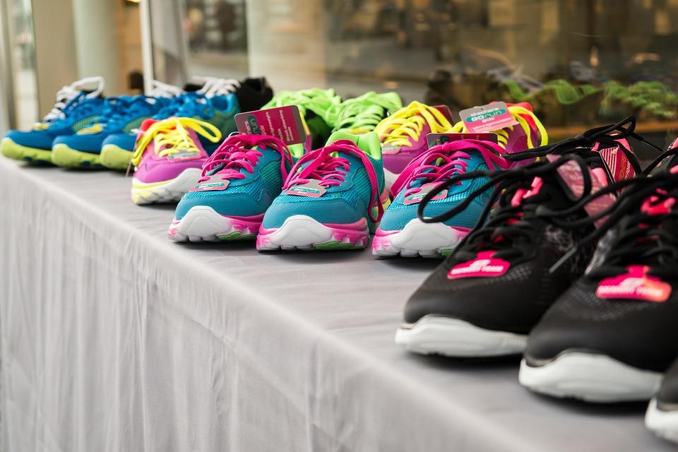 靴、カラフル、ファッション、スニーカー、スポーツシューズ、ラン