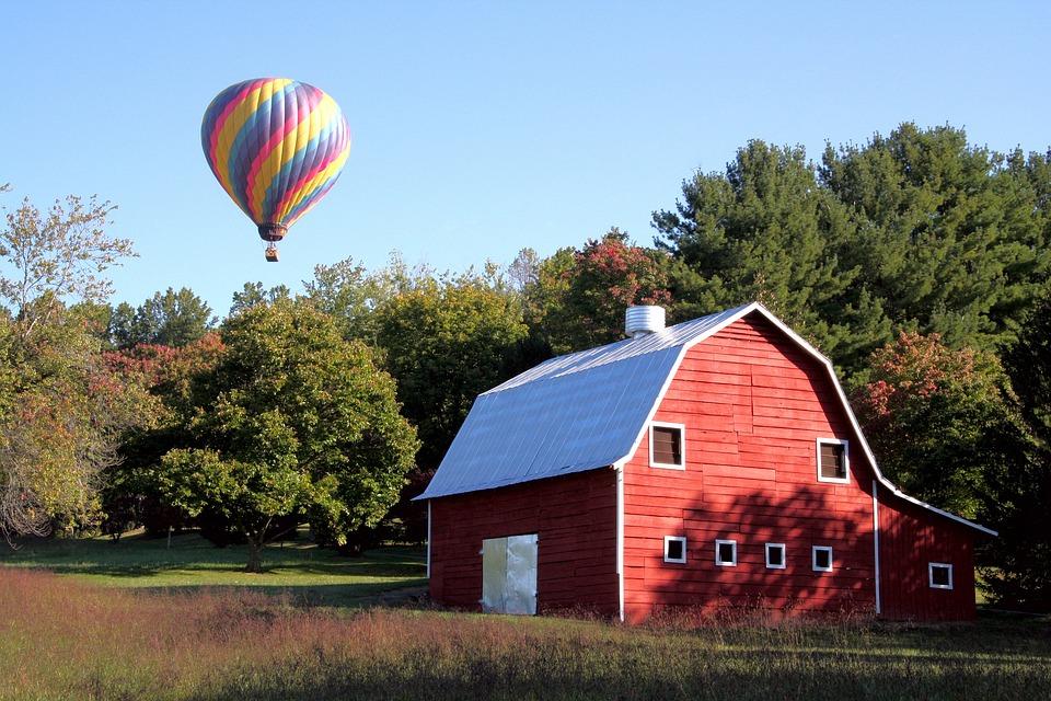 Free photo: Red Barn, Hot Air Balloon - Free Image on Pixabay - 676223