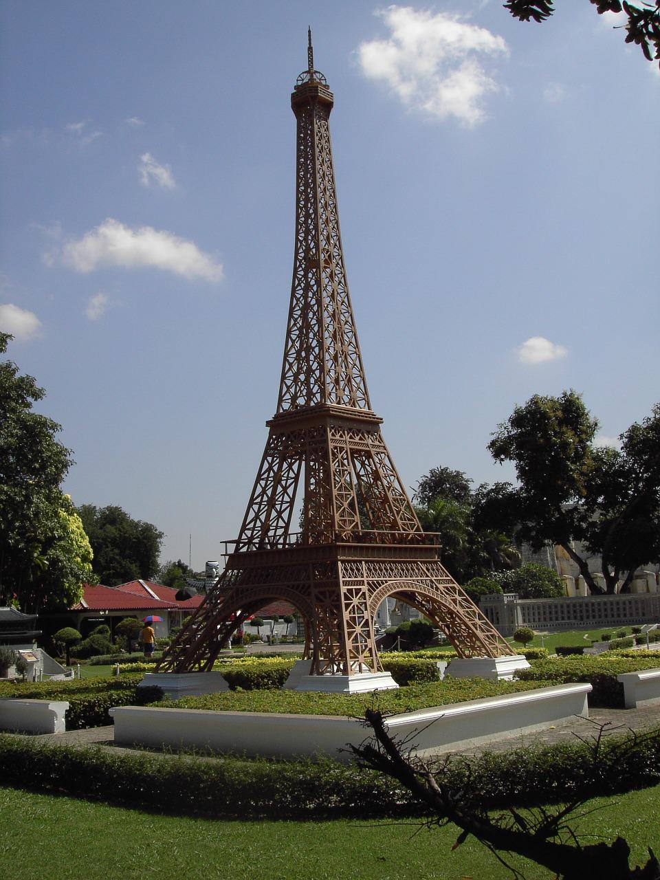 an analysis of the miniature copy of the eiffel tower Tiny things a micro-book (r)  a miniature artwork of a preserved mosquito with the eiffel tower copy,  japanese miniature train model maker eishindo's t.