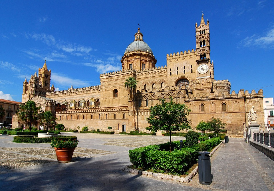 Palermo, Sicily, Pomnik