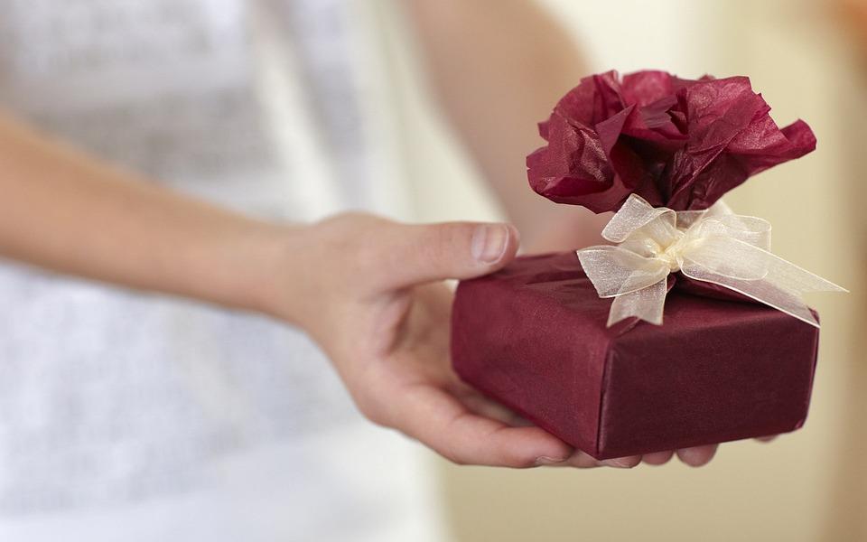 Что подарить любовнику на день рождения интересные идеи и советы по выбору