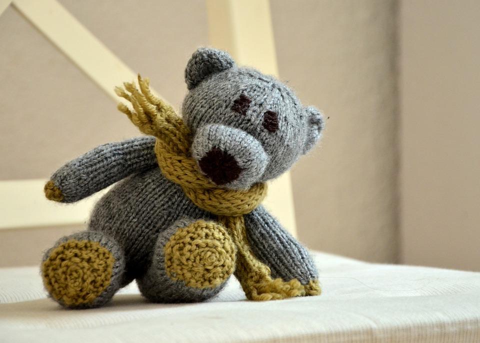 Как заработать на вязании игрушек варежек и других вещей в домашних условиях