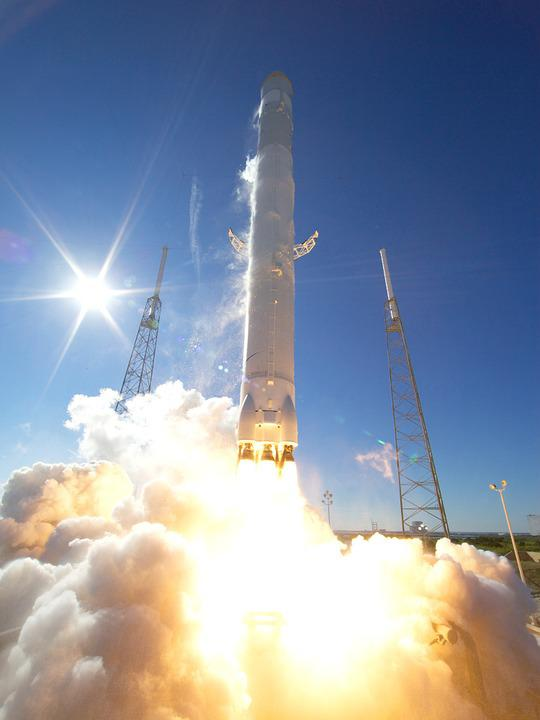 Lift Off Rocket Launch Spacex Flames