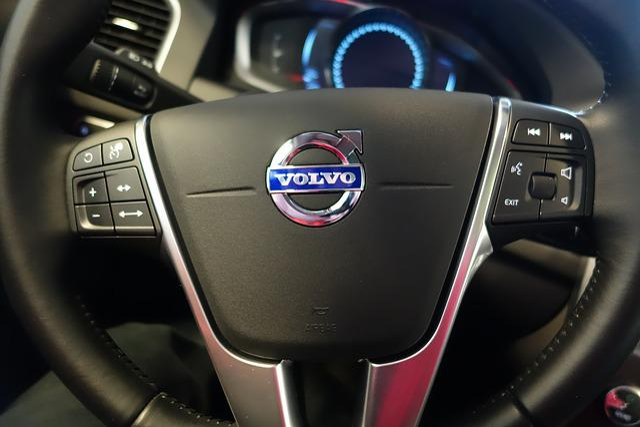 Free photo: Volvo, Steering Wheel, Car - Free Image on Pixabay - 695419
