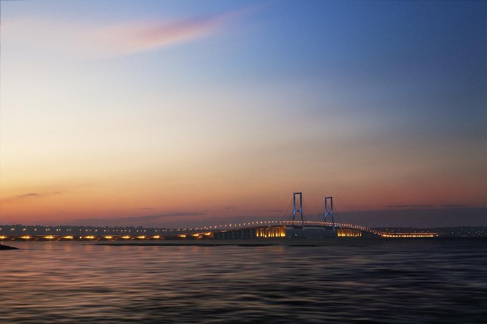 A beautiful click of Suramadu National Bridge