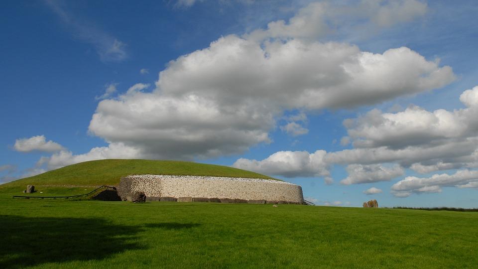 ireland newgrange burial mound  u00b7 free photo on pixabay