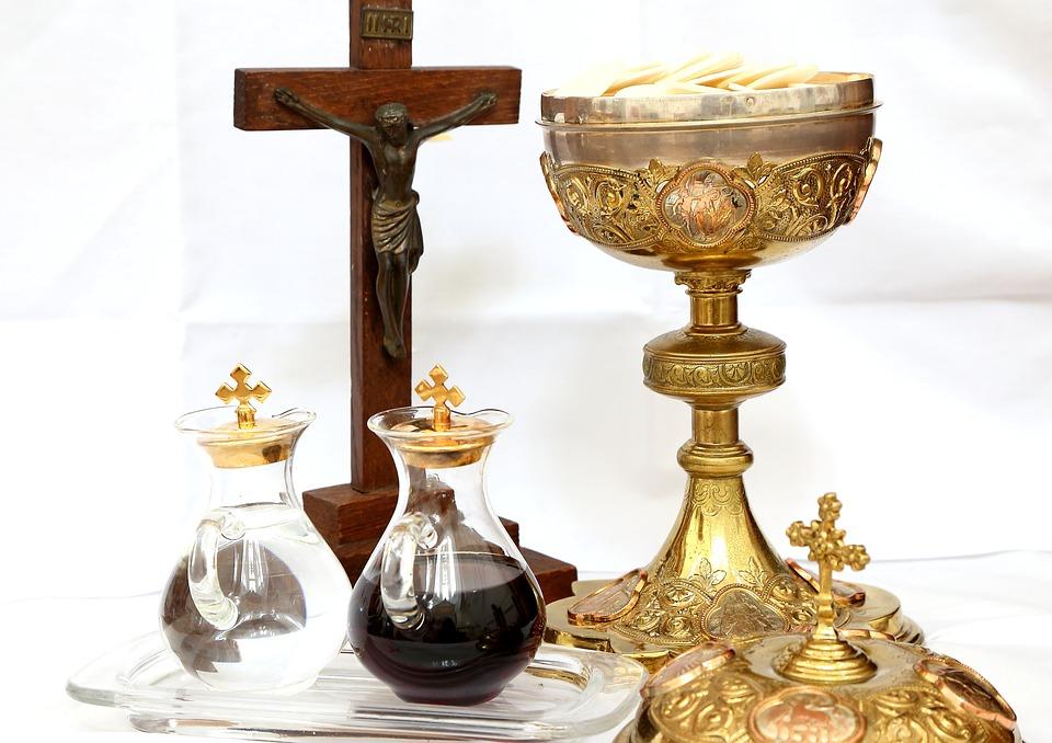 Kết quả hình ảnh cho vật dụng trong thánh lễ