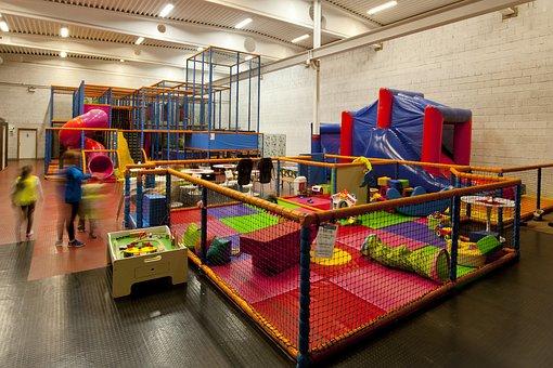 Sala Gimnastyczna, Pokój Zabaw