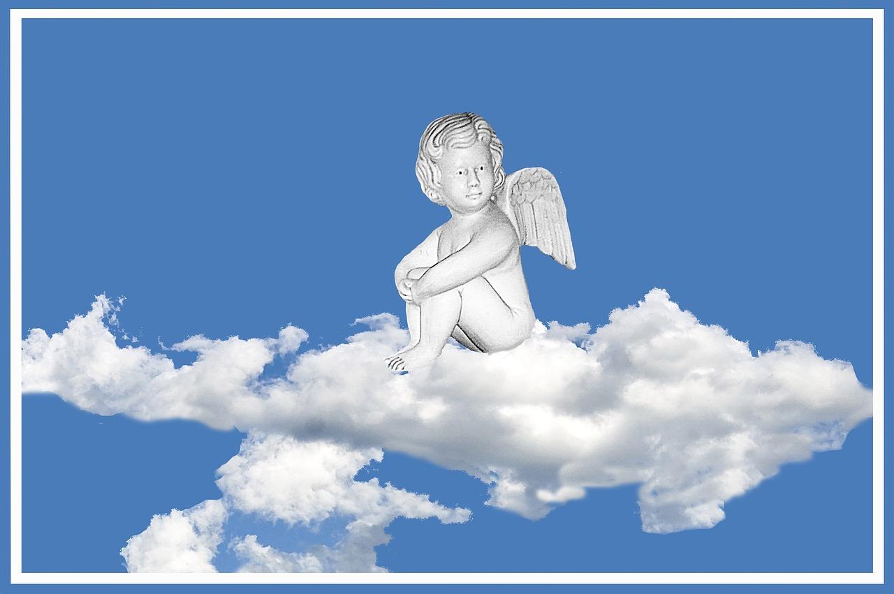 Ангелы на облачке картинка