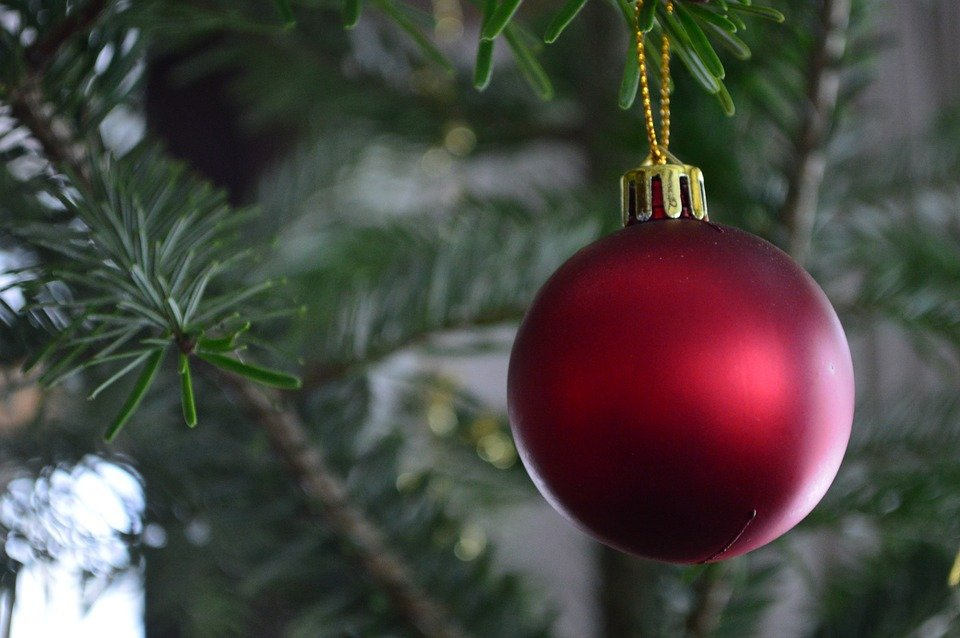 kostenloses foto weihnachten weihnachtskugel rot kostenloses bild auf pixabay 701144. Black Bedroom Furniture Sets. Home Design Ideas