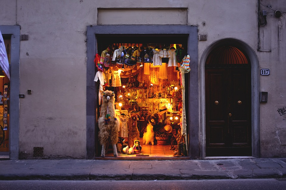 Shopping in Naples