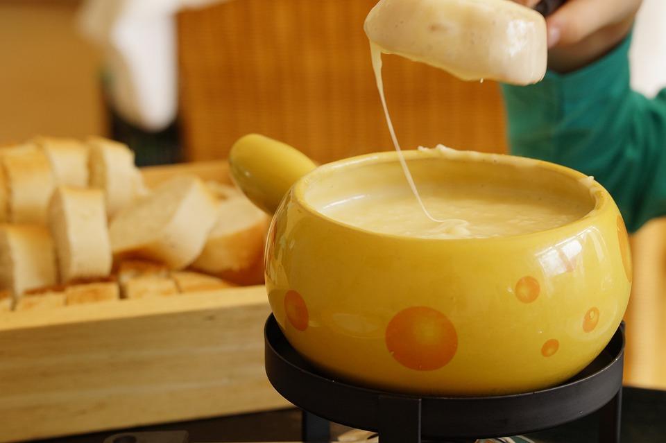 フォンデュ, スイスのチーズフォンデュ, チーズ, チーズフォンデュ, スイス, 専門, 栄養, おいしい
