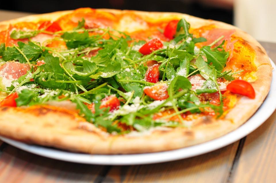 Kostenloses foto pizza italien abendessen kostenloses for Utensilios pizza