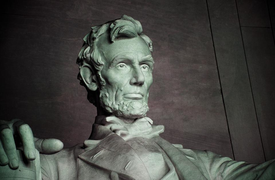 Det begynner å bli en stund siden Abraham Lincoln jobbet med å forene politiske partier i USA.