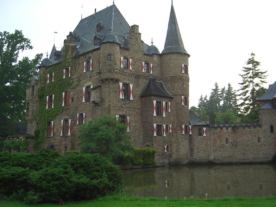 Αποτέλεσμα εικόνας για Κάστρο Satzvey, Γερμανία