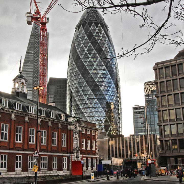 the gherkin 30 st mary axe london city