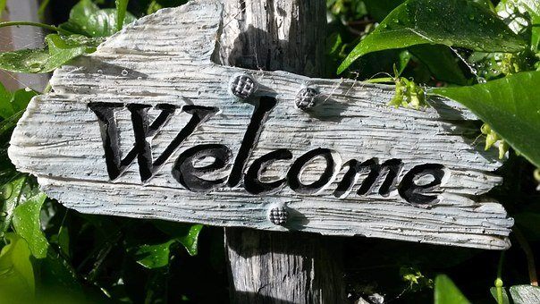 welcome-sign-724689__340.jpg