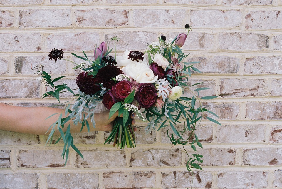 Flower Bouquet Hand · Free photo on Pixabay