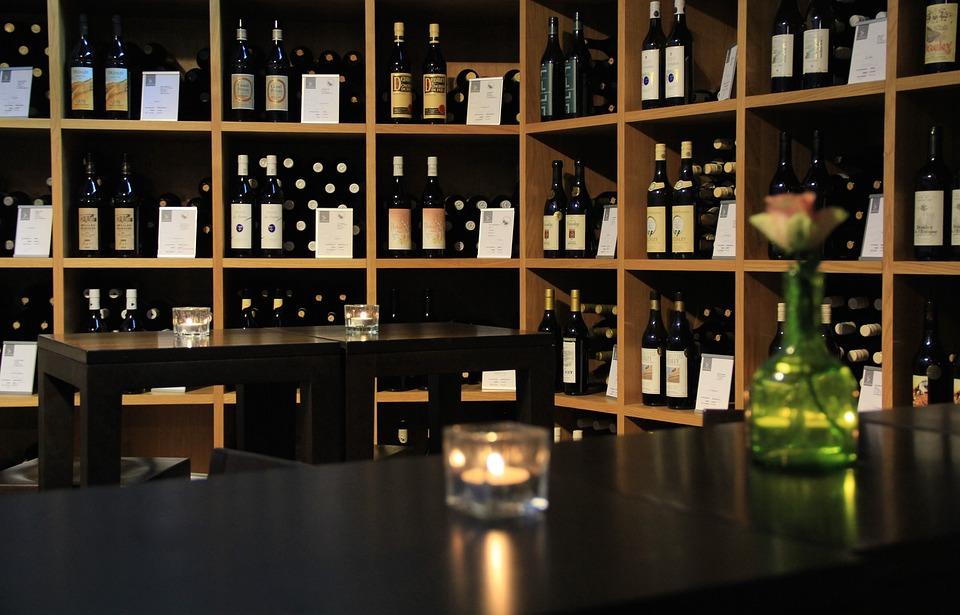Wein, Vinorama, Weinflasche, Weinkeller, Rotwein