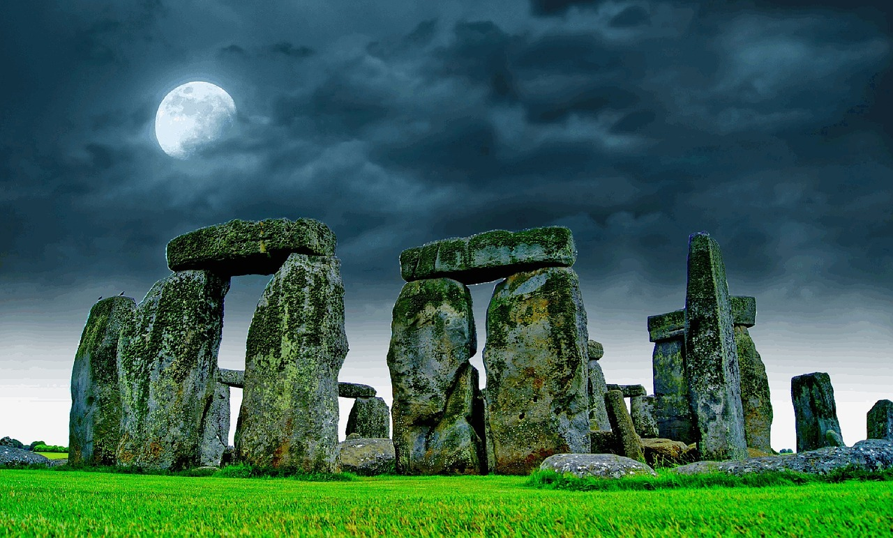 an introduction to the stonehenge and the facts about the mysterious site in england