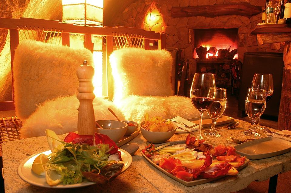 Как правильно организовать романтический ужин практические советы