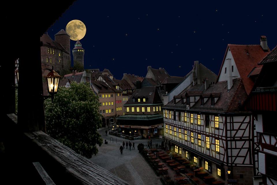 Nuremberg, Castillo, Centro Historico, Por La Noche
