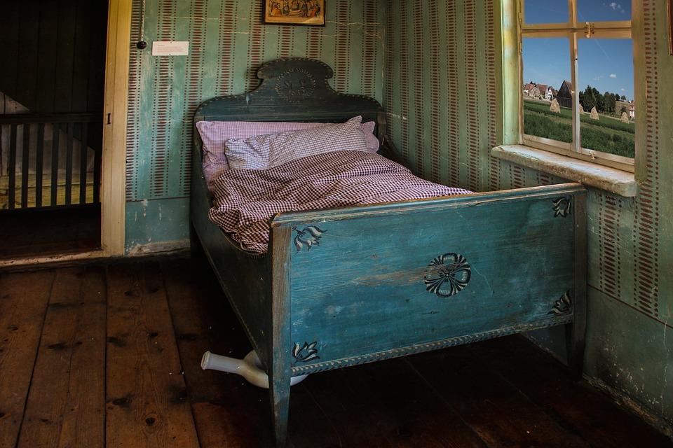 bed sleep good night free photo on pixabay. Black Bedroom Furniture Sets. Home Design Ideas