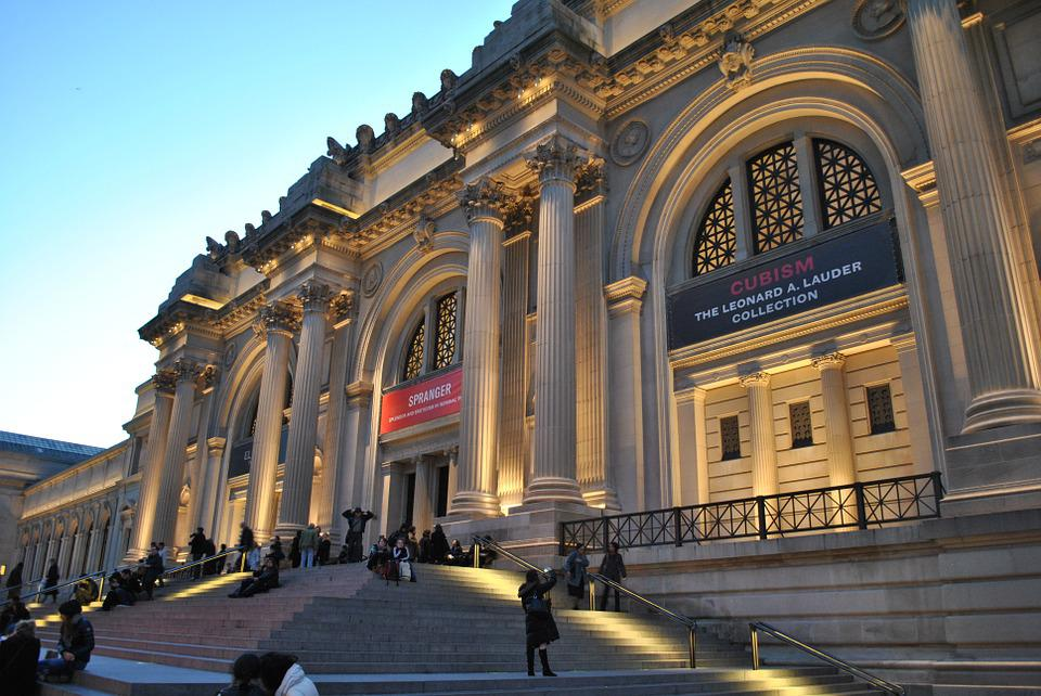 The Met Store | Gifts from The Metropolitan Museum of ArtFree Shipping Orders $ · Proceeds Support The Met · Art-Inspired Gifts · years of artTypes: Jewelry & Watches, Scarves & Wraps, Prints & Posters, Holiday Cards, Home Decor.