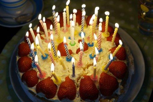 Bon Anniversaire  Guena  - Page 2 Birthday-cake-757103__340