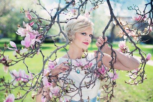 Vakker Kvinne, Magnoliaer, Magnoliatre