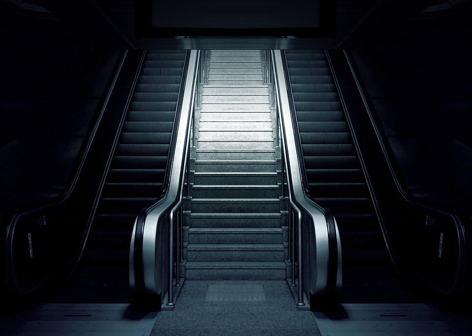 エスカレーター, 地下鉄, 階段, 都市, 駅, 旅行, トランスポート, 地下, 暗い, 黒市, 黒旅行