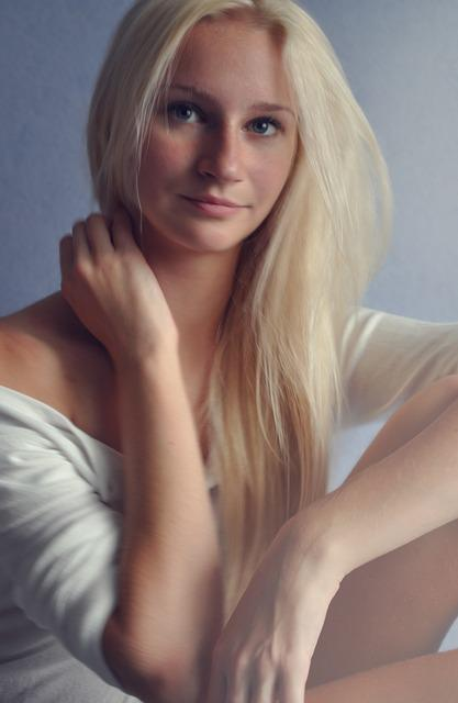 nude women blondýna