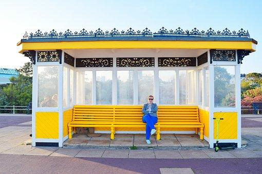 ベンチ, バス停, 黄色, 人, 空, 日当たりの良い, ポーツマス, イギリス