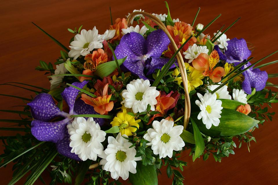 bouquet flowers basket of free photo on pixabay