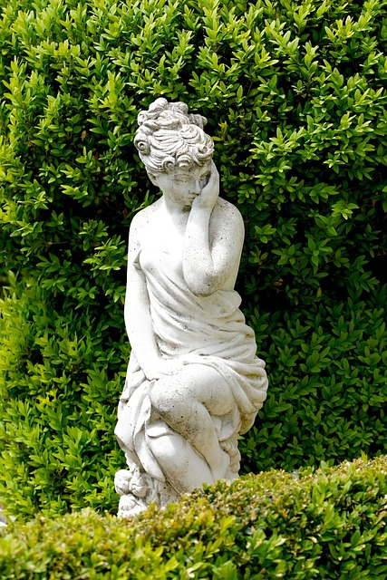 free photo  statue  woman  body  art