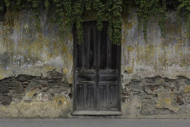 Free photo doors ancient wood old door free image on - Puertas de madera antiguas ...