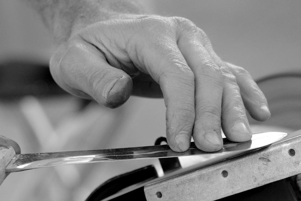 Sharpen knife craft hand job