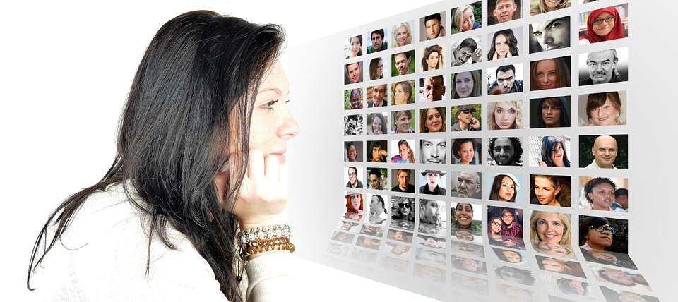 여자, 얼굴, 포토 몽타주, 사진 앨범, 세계, 인구, 미디어, 시스템, 편물, 뉴스, 개인