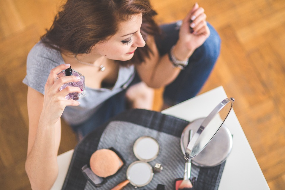 Perfume, Woman, Girl, Young, Beauty, Top View, Closeup, how to get over a bad day, how to look pretty on a bad day, how to deal with a bad day, makeup tips on a bad day, Makeup Tips, Beauty,