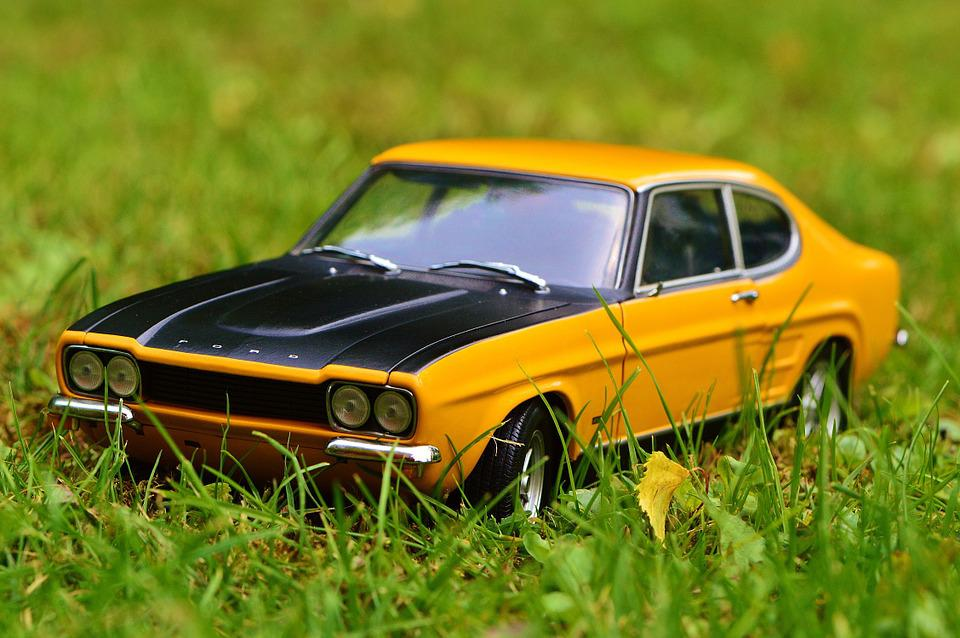 車の傷消し方法|黒い車/フロントガラス・スプレーの使い方