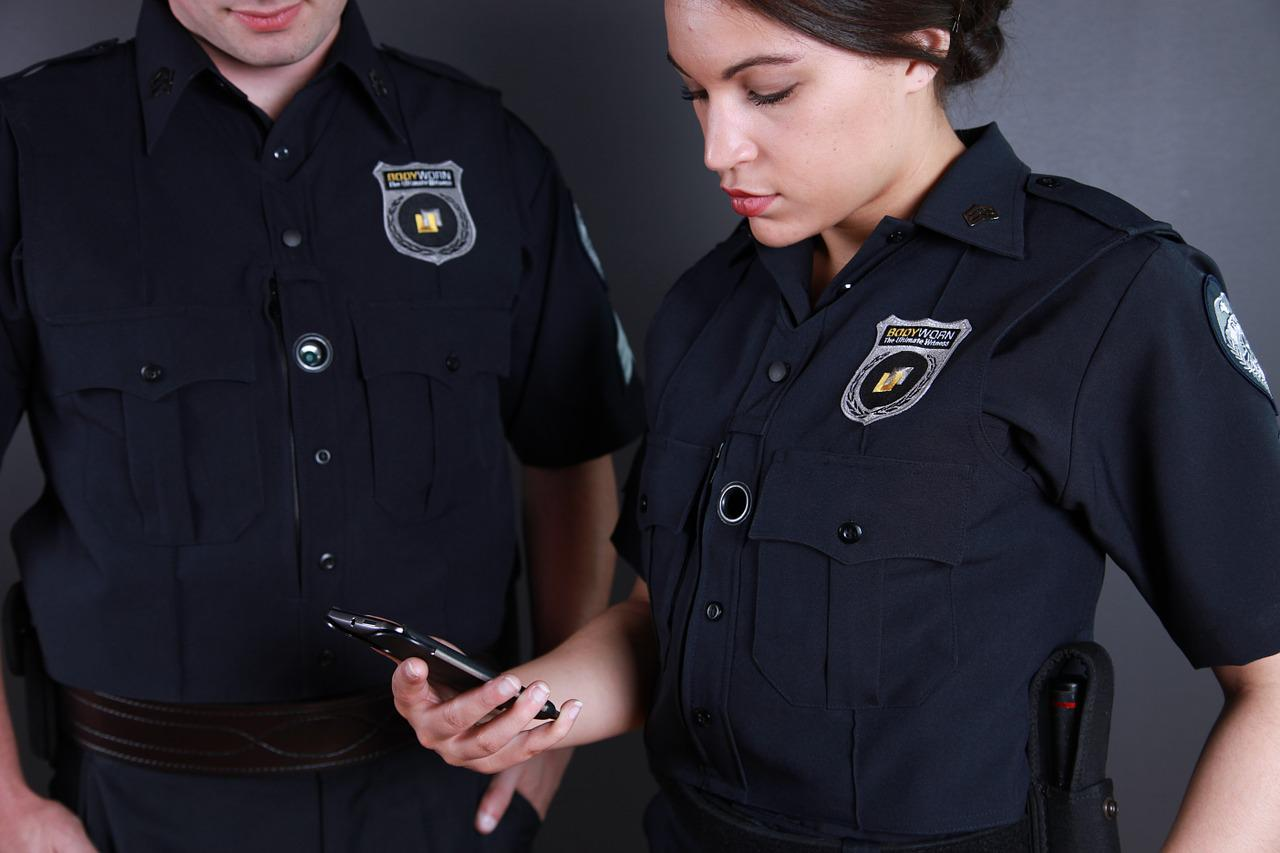 body cameras should be worn by police officers all the time for protection An overview of police body cameras and the events in real time, the question of on-duty police officers using body of body-worn cameras and all of the.