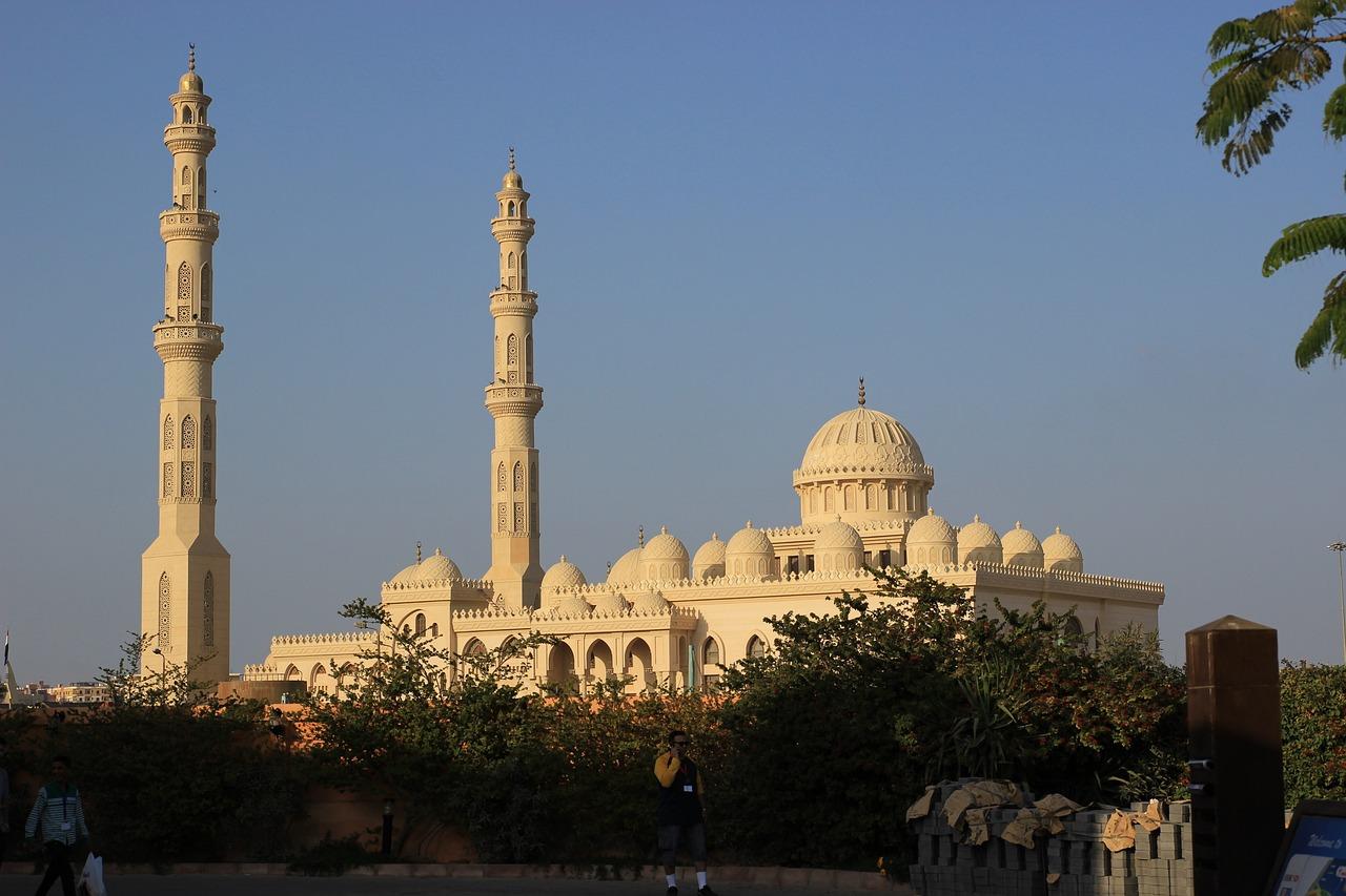 сыром мечети хургады фото немецких кольцах